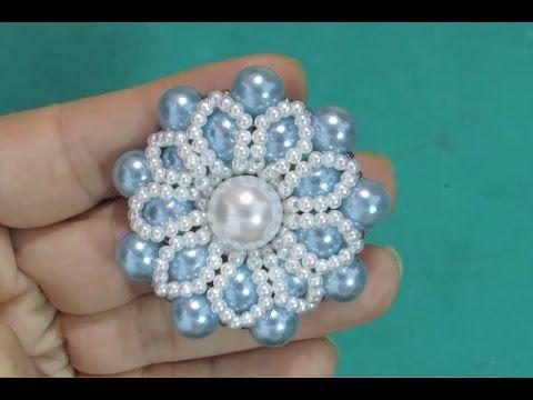 Um jeito diferente de fazer a Flor de Pérolas FLOCO de NEVE - Maguida Silva - YouTube