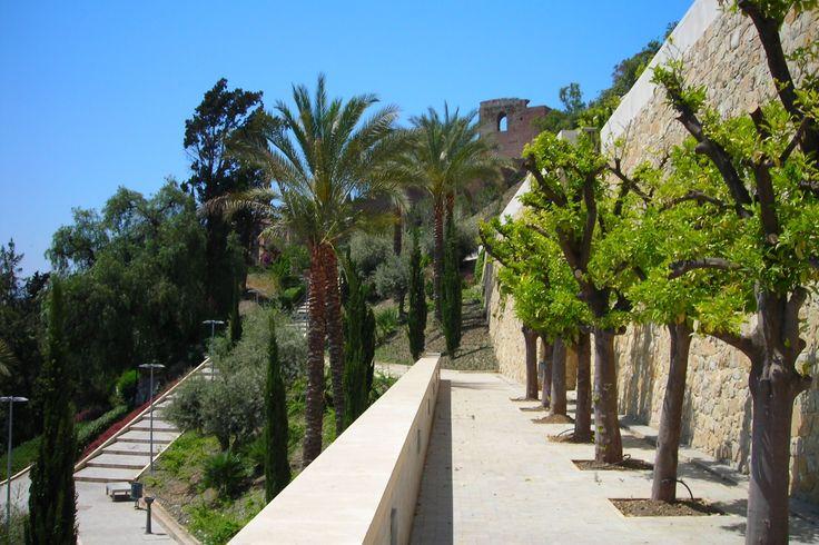 Malaga - ogrody twierdzy Alcazaba.