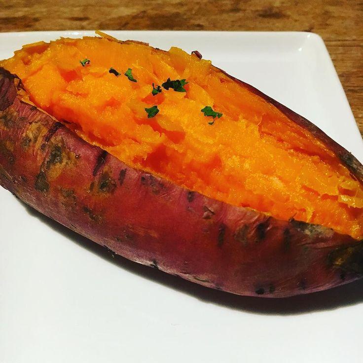 "Finally I found real ""sweet"" potato here in France !! 日本と同じ味のオーガニックのさつまいもとやっと巡り会えました幸せ #vegan #organicfood #rawfood #rawvegan #801010 #rawtill4 #fullyraw #hclf #hclfvegan #vegetalien #veganism #veganlife #consciousliving #shinebrighter #ビーガン #ヴィーガン #フルーツ #ロービーガン #ローヴィーガン #ローフード  #オーガニック #ベジタリアン #フルータリアン #有機野菜"