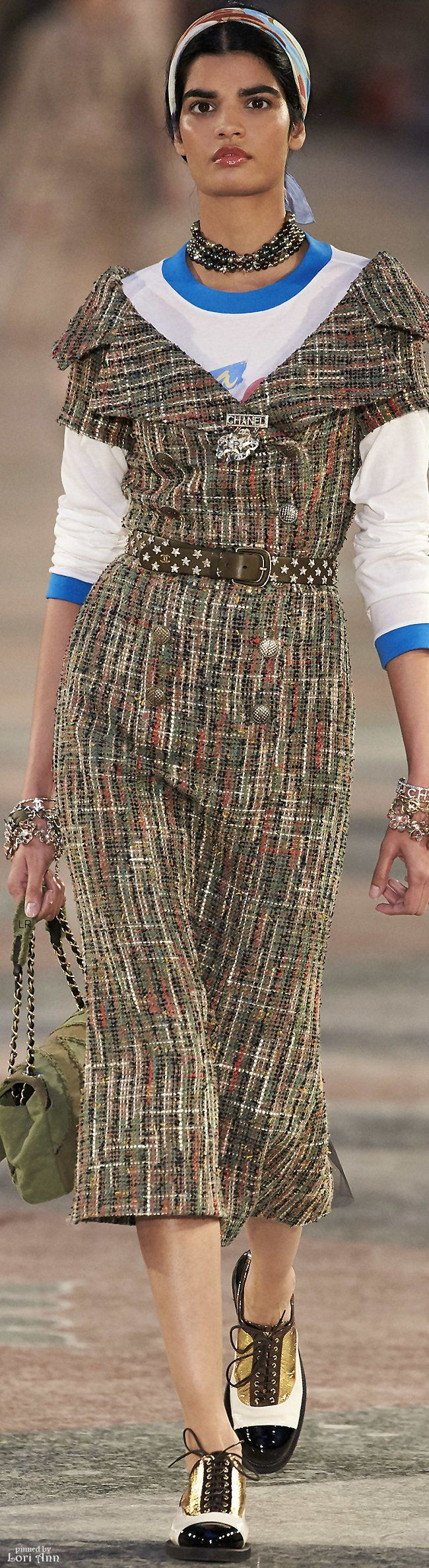 A gorgeous dress to display a woman's décolletage not a boring T ~ Cortigiana 2016 re. Chanel Resort 2017