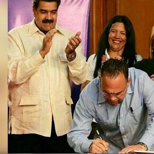 @FEdumedia : RT @rodulfohumberto: Estamos abonando diferencia  contribución por Semana Mayor a docentes y obreros activos jubilados y pensionados #MaduroCumpleConLaEducación