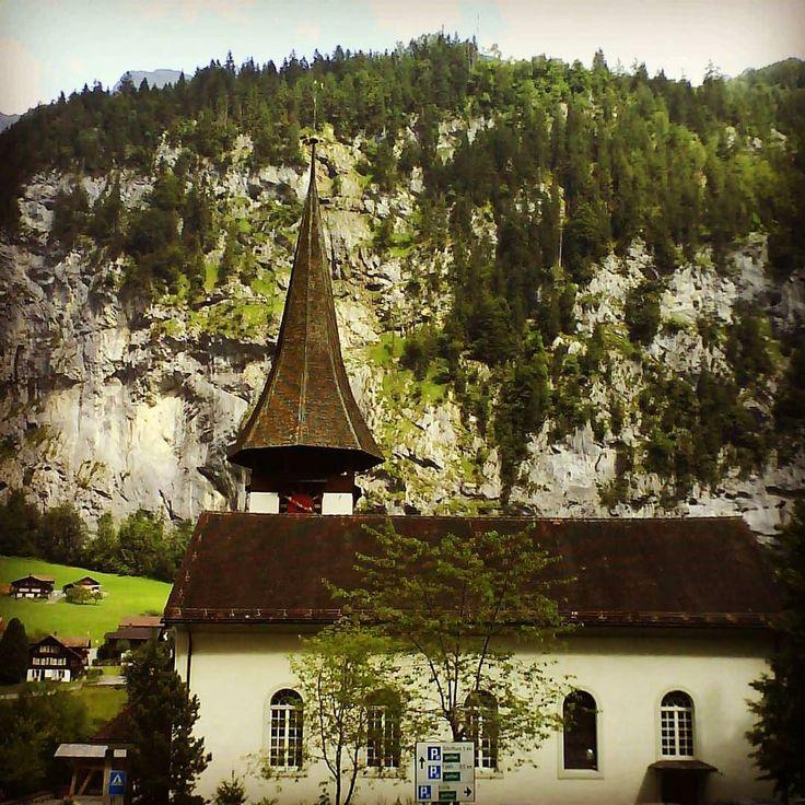 Viagens n'outro País #stechelberg #mountains #lauterbrunnen #nature #swissalps #switzerland #alps #schweiz #murren #schilthorn #bern #australianartist #explore #instagram #blackandwhite #myswitzerland #interlaken #feelthealps #art #photography #wanderlust #switzerlandpictures #onlinestore #photo #roamalps #roseashes #travel #lauterbrunnenvalley #mürren #jungfrauregion