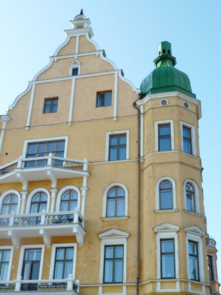 Helsinki, old apartment building in Kaivopuisto