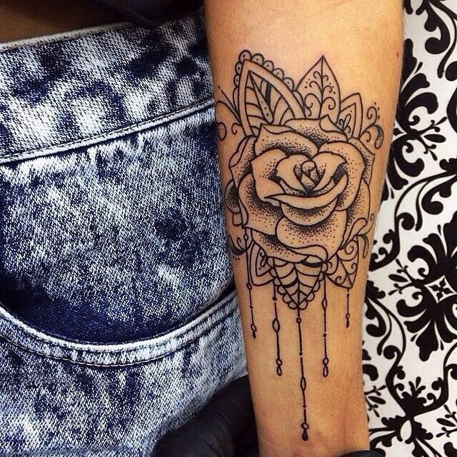 beautiful rose tattoo bl ck pinterest rose tattoos tattoo and rose. Black Bedroom Furniture Sets. Home Design Ideas