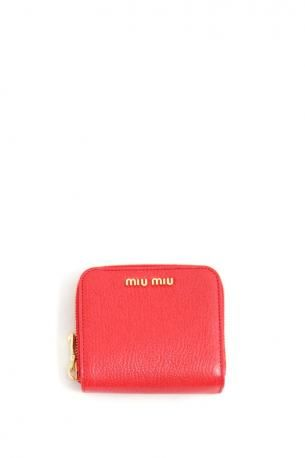 Technical features:  Miu Miu zipped wallet. Fire Red leather wallet. Miu Miu Spring Summer 2013 Collection.    Height: 10 cm. Width: 10 cm. Depth: 3 cm.
