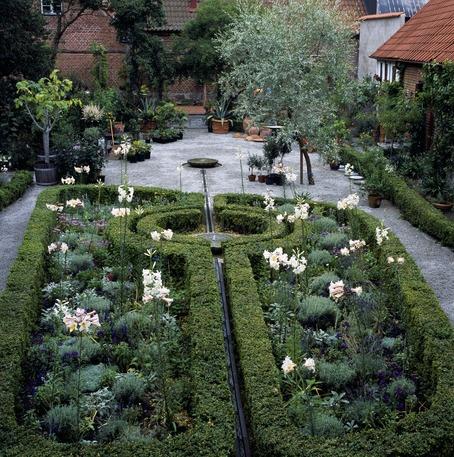 Apotekarens Trädgård, Österlen