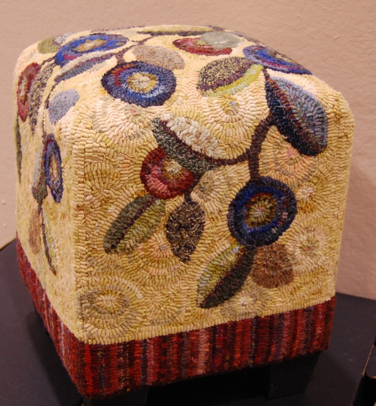 Love this chunky foot stool. It's from the Sauder Village show.