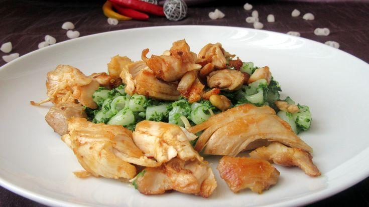 Risolino se špenátem a kuřecími trhanci - Risolino - rýžový kolínka, použijeme je jako doplněk ke špenátu a kuřecím kouskům