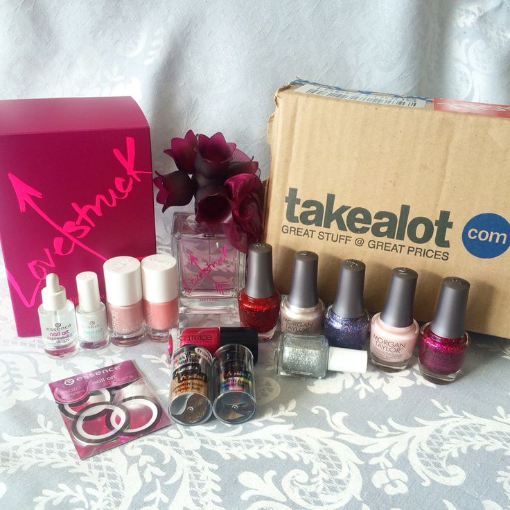 TAKEALOT MINI HAUL - On the weekend i placed my very first online order with Takealot.com as they were having a 50% Beauty Flash Sale. I received my order within 3 days right to my doorstep. They emailed me almost everyday to advise on the progress of my order. I was really impressed with their service.