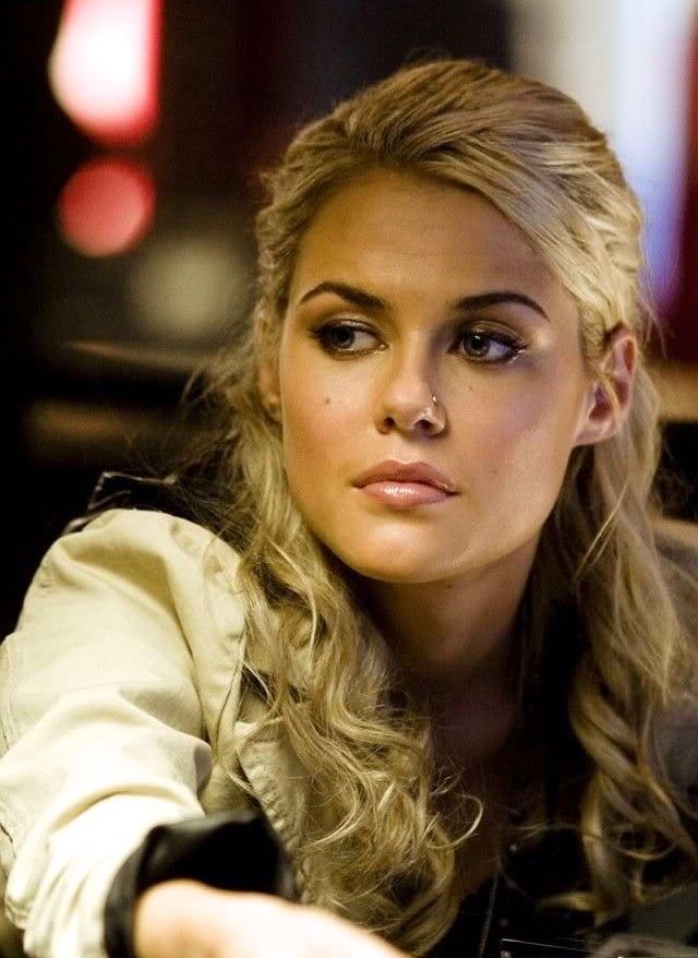 Rachael Taylor is gorgeous