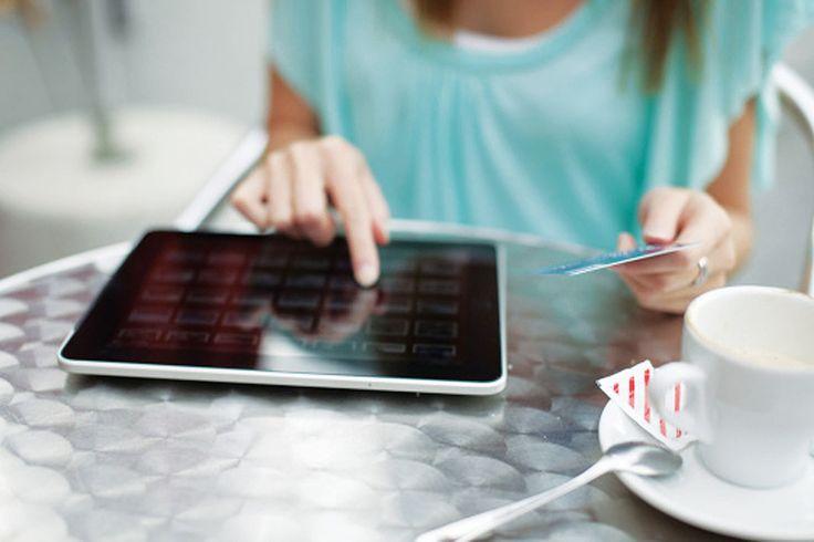 Apesar da crise financeira, o mercado de comércio eletrônico está em franco crescimento no país, como mostram os números divulgados pela Ebit, empresa referência em informações sobre a área no Bras…