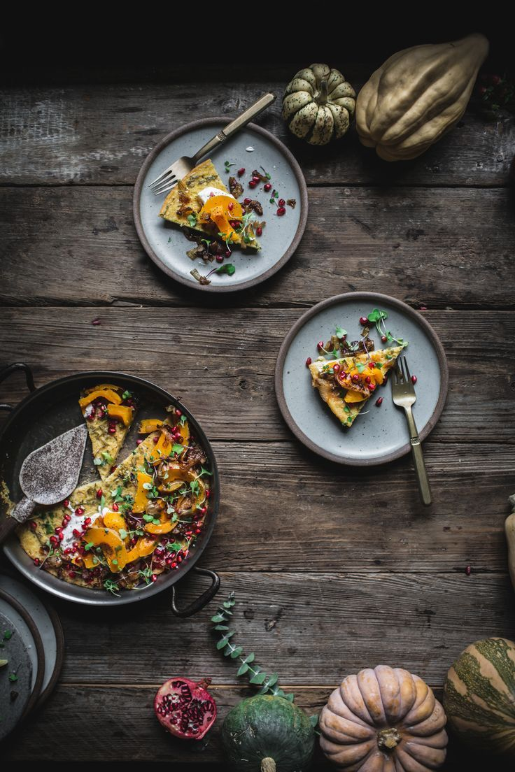 Farinata Savory Gluten-Free Pancake with Roasted Squash http://adventuresincooking.com/2017/11/savory-gluten-free-farinata-winter-squash-pancake.html