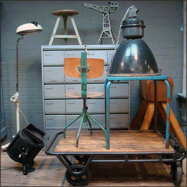 Bauhaus, retro, industrieel, brocante en vintage bij Vivre Interieur Authentique   | roomed.nl
