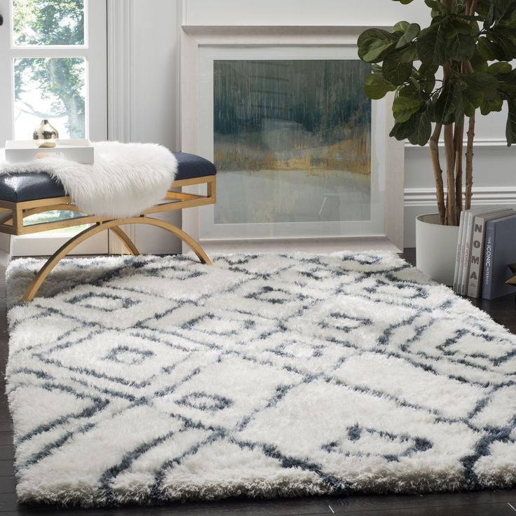 Safavieh Hand-Woven Toronto Ivory/ Shag Rug