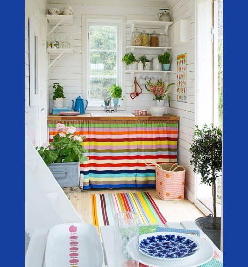 Pintoresca cocina decorando la vida pinterest for Cortinas para muebles de cocina