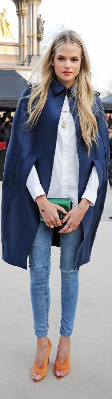 Fall / Winter - street chic style - deep blue satin cape + white shirt + light denim skinnies + orange suede heels