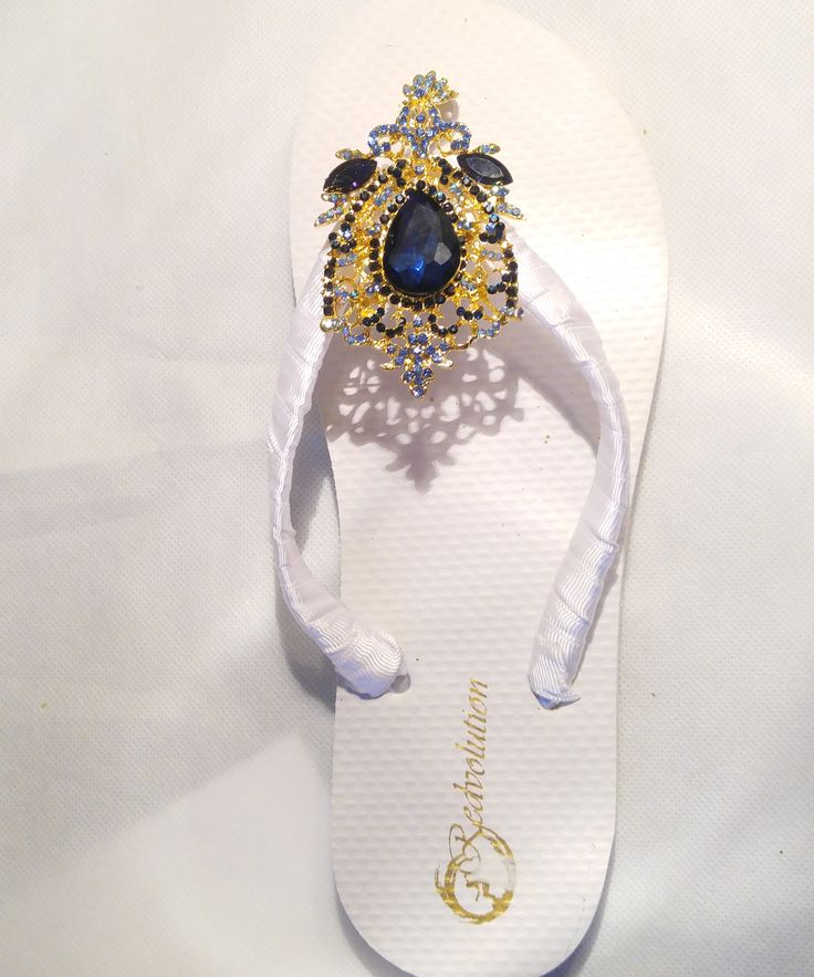 Royal Blue Wedding Flip flops Bridal Flats for bride, bridesmaids sets A Royal Blue satin Flip with a crystal accents and rhinestone embellishment