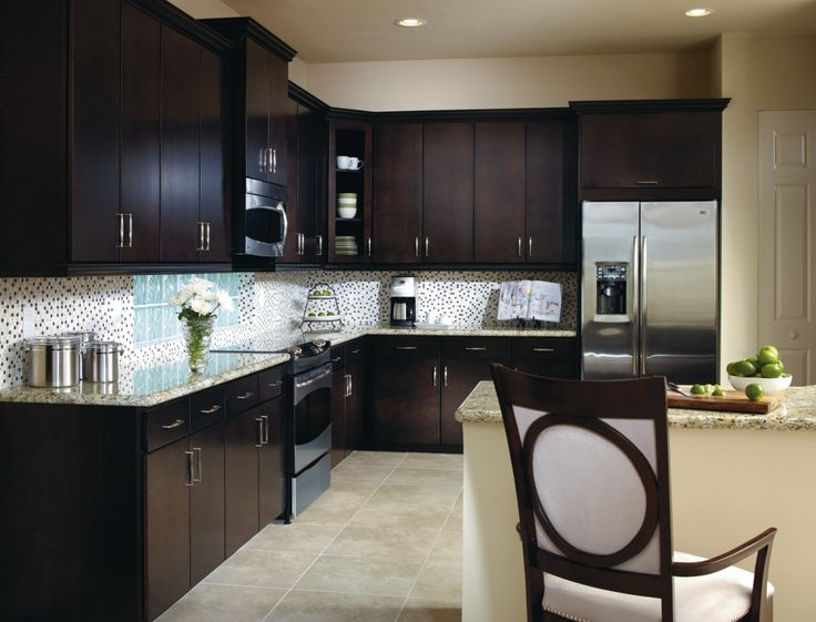 The aristokraft teagan cabinet door offers a streamlined for Aristocraft kitchen cabinets