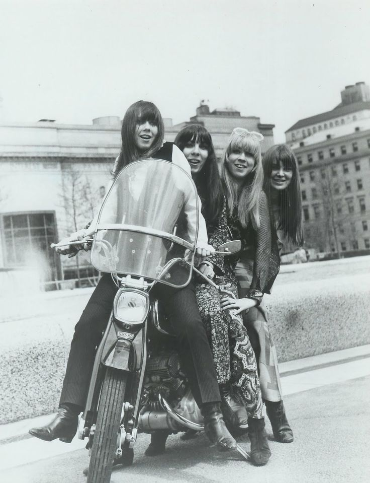 17 Best images about 60s GIRL GARAGE BAND on Pinterest ...