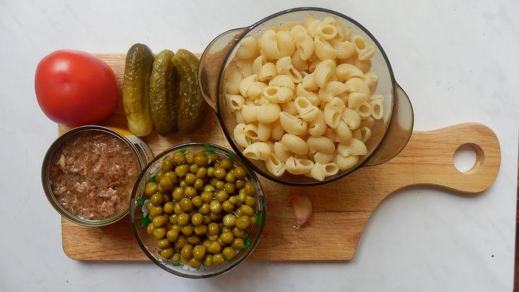 Салат из макарон с калбасой