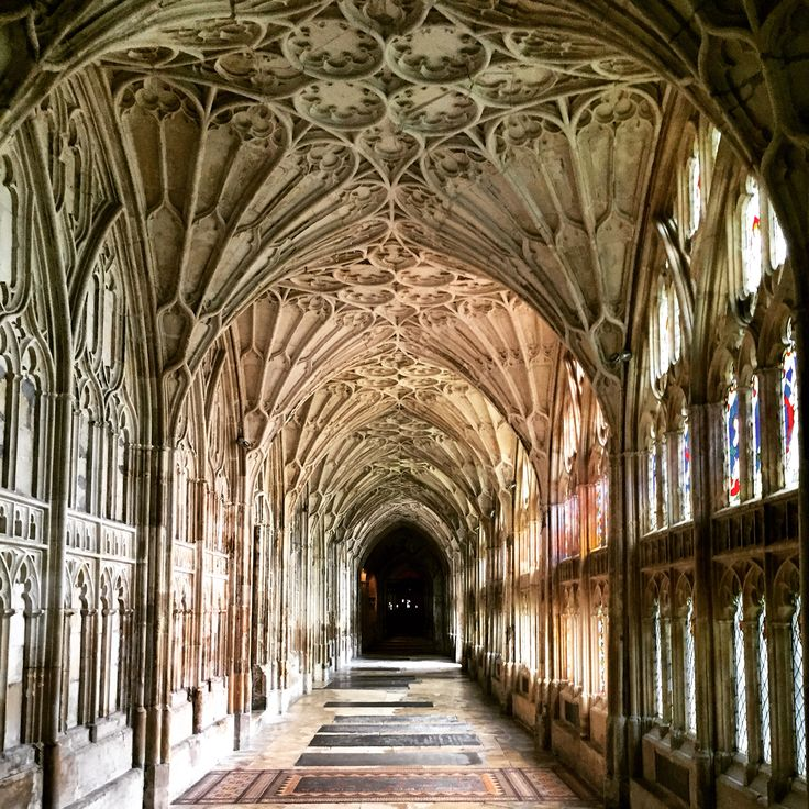 The magical cloister: that place remind you of anything? #HarryPotter #fermataUK #gloucestershire #presstrip #travel #GloucesterCathedral