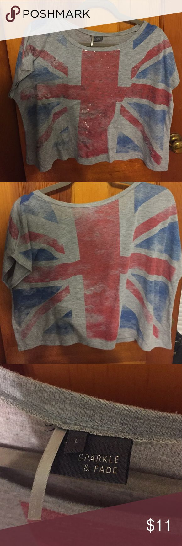 London flag flowy semi crop top Large flowy top. Sparkle and fade brand from urban outfitters. Urban Outfitters Tops Crop Tops