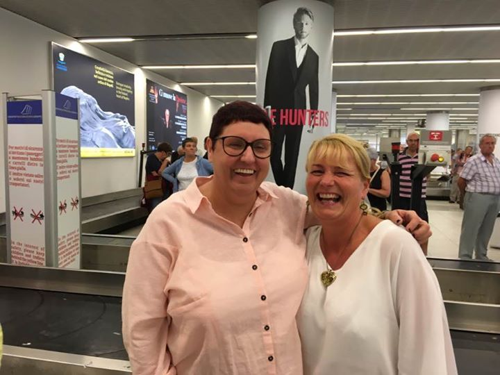 Wow my auntie Denise with a celebrity I love her in trolled
