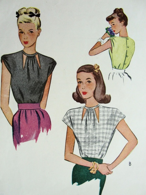 1940s BLOUSE PATTERN CUT OUT NECKLINE, BUTTON BACK McCALL 6256