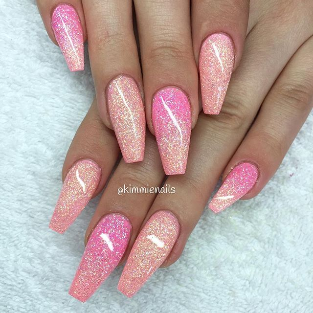 Bubblegum pink & peachy #naglar #nagelkär #nagelteknolog #naglarstockholm #nagelförlängning #uvgele #gele #gelenaglar #gelnails #nails #nailart #nailswag #lillynails #nailfashion #nailpassion #nailobession #nailextensions #dopenails #blingnails #passion #love #kimmienails #hudabeauty