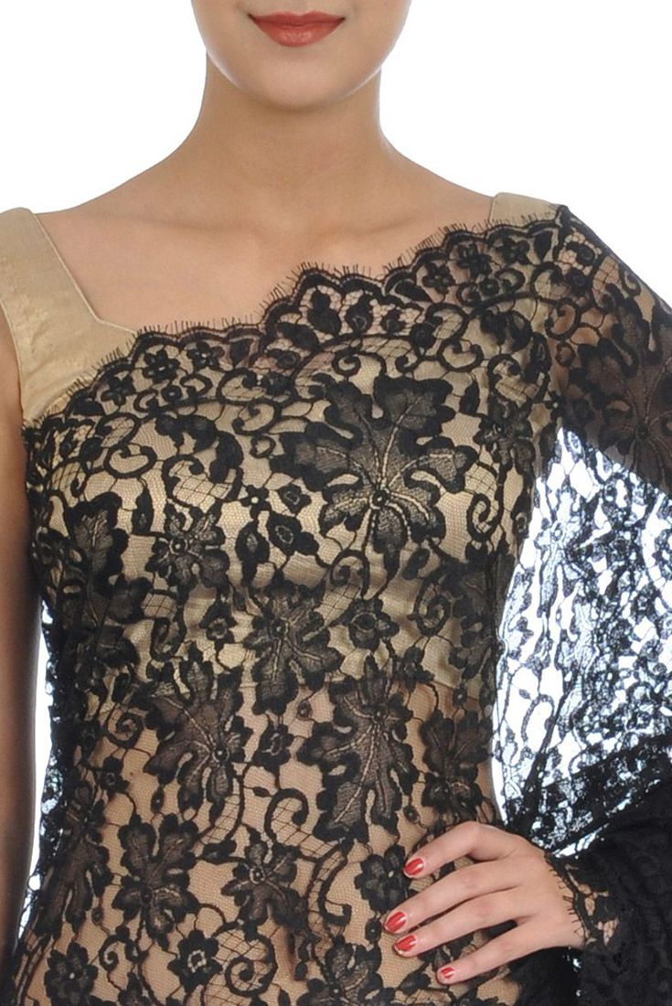 Black French Chantilly Lace Saree With Crepe-Tissue Blouse (2)