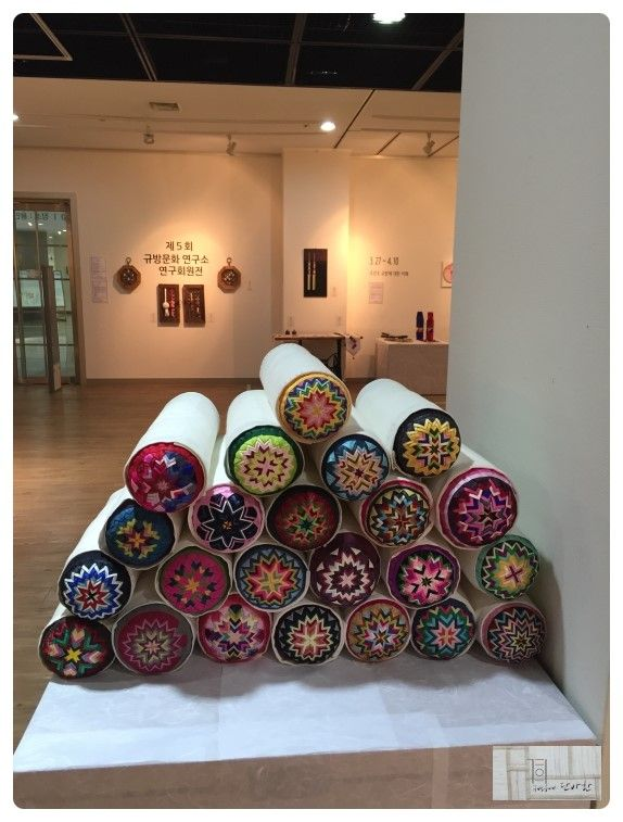 Traditional Korean Pillow : 267 best ??? - jogakbo images on Pinterest Korean traditional, Patchwork and Korean art