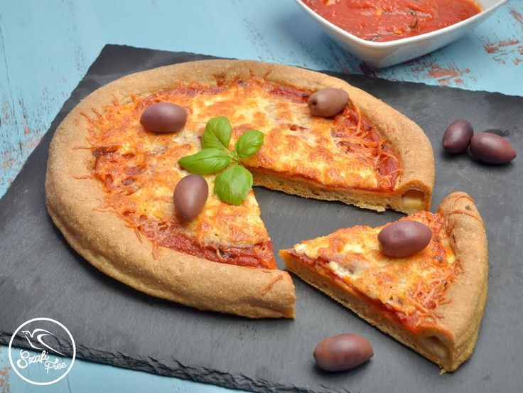 Sajtos szélü pizza