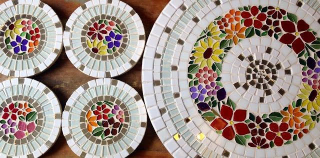 Trabalhos em Mosaico: Prato - Giratorio em Mosaico
