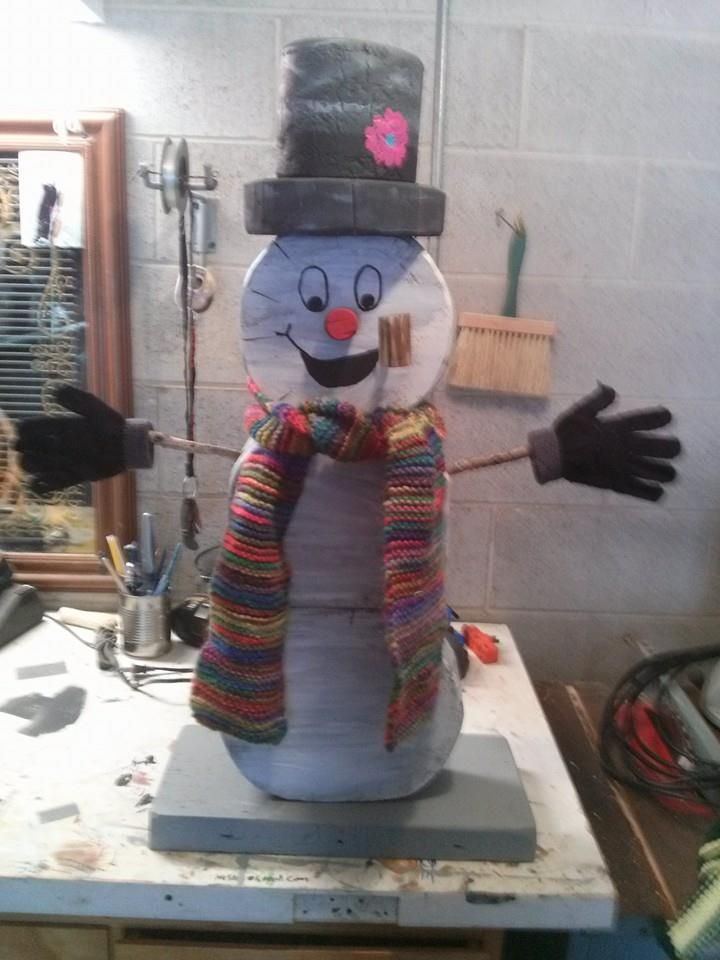 Re-Scape: FanScape Mike Nolan Awesome Snowman out of wood!