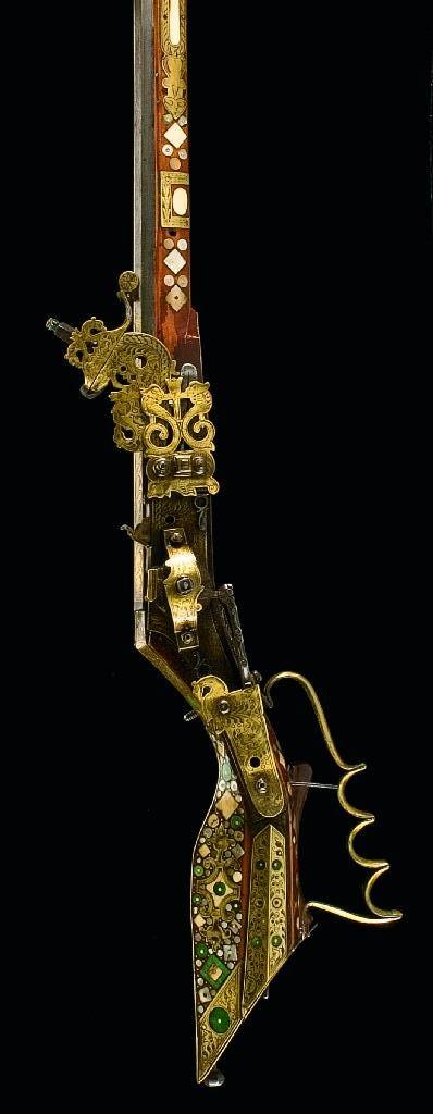 A SILESIAN WHEEL-LOCK BIRDING RIFLE (TSCHINKE), SIGNED WS, CIRCA 1640-50