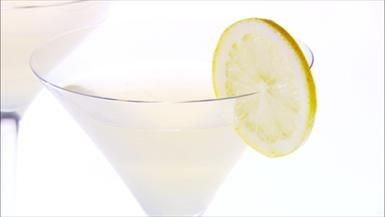 I could drink several of these! Share the Amore! Lemon and Vodka