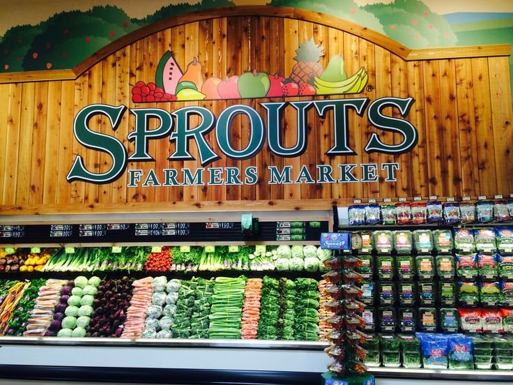 Grocery shopping tips for Sprouts Farmers Market. Save money and live healthy!   | Fit Disney Mom
