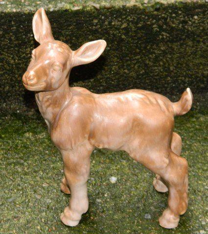 Figur af gedekid i keramik af Peder Hald (1892-1987). Kunstnersignatur på bunden. 23 cm høj. ::: Ceramic Goatling Figurine