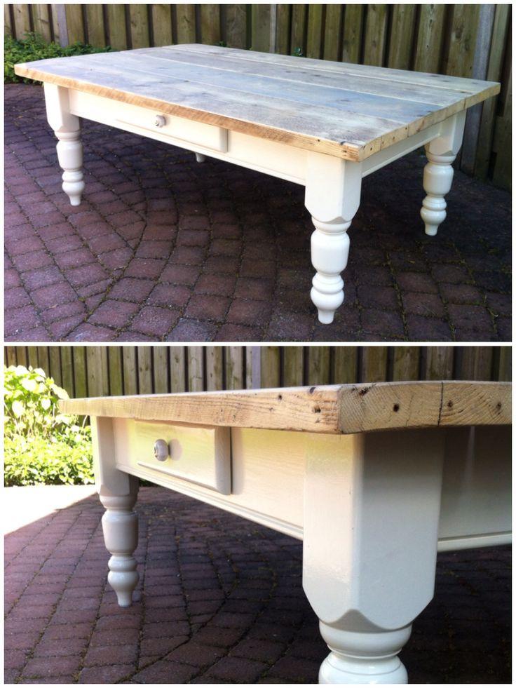 Coffee table with table top of scaffolding wood. Salontafel met tafelblad van gebruikt steigerhout.