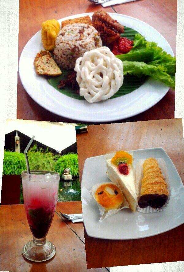 Nasi Tutug Oncom + Es Tape Ketan + Kue Lumpur Kelapa + Fruit Cake at Kedai Nyonya Rumah, Jl. Naripan, Bandung