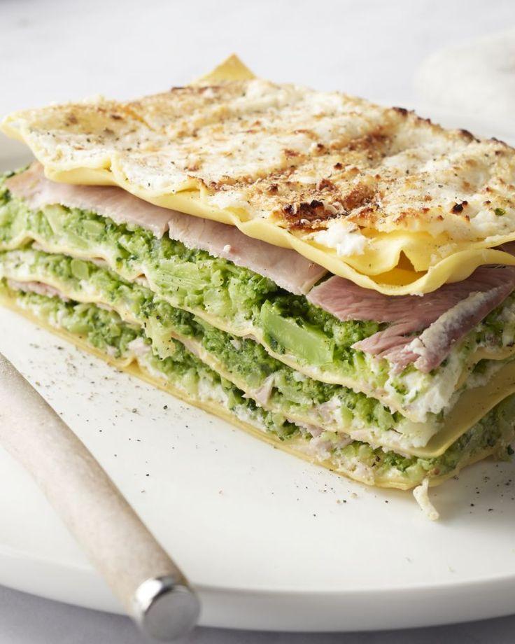 Lasagne is zo lekker, maar het kan al eens zwaar op de maag vallen. Dan moet je deze lichte versie zeker eens proberen!