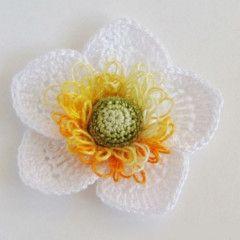 Вязаный цветок - нарцисс