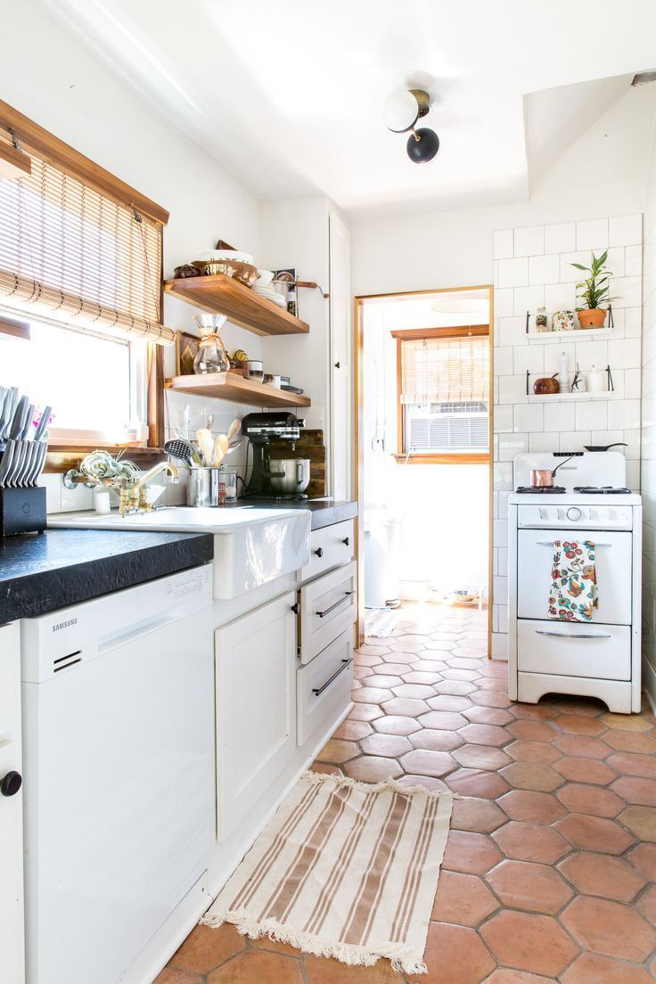 16 Kitchens That Skipped The Reno And Embraced Vintage Vibes With Images Kitchen Renovation Kitchen Tiles Kitchen Flooring