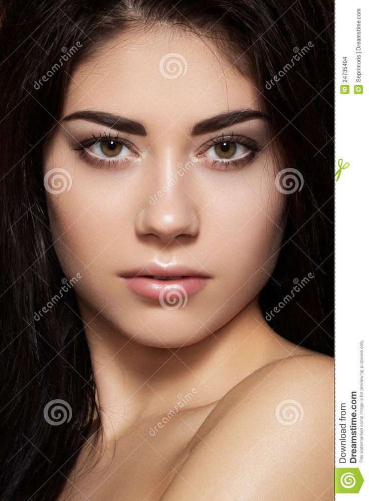 beautiful-model-make-up-dark-eyebrows-24735494.jpg (956×1300)