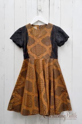 ME1304.1847 Luna Sogan Classic Dress -L