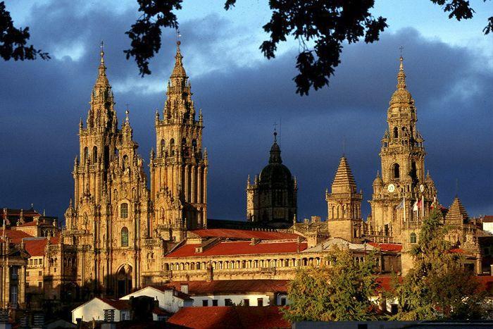 ¡Viajes a Galicia! Qué es imprescindible ver en Galicia. Buscar hotel en Galicia al mejor precio. Ociohoteles.com