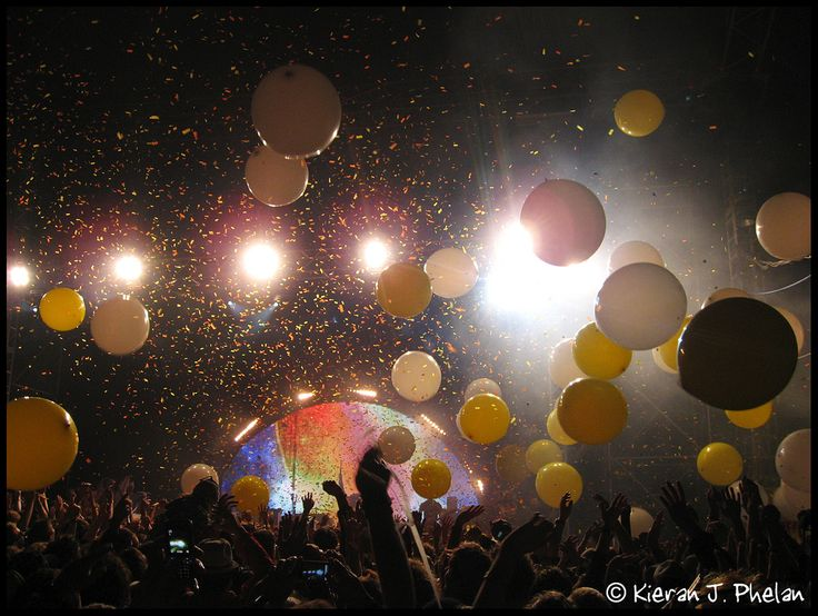https://flic.kr/p/7UKtBH | The Flaming Lips @ Electric Picnic 2009 | Canon Ixus 800 IS