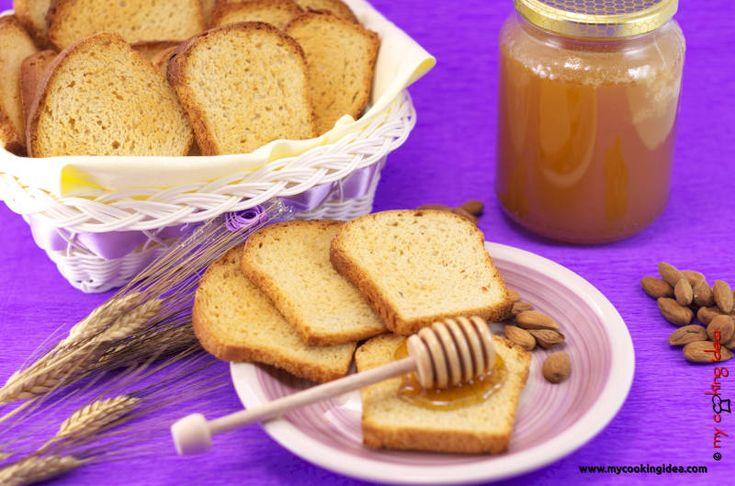 #colazione con fette biscottate #mycookingidea #ricettebloggereriunite http://www.mycookingidea.com/2015/08/fette-biscottate-con-mandorle/