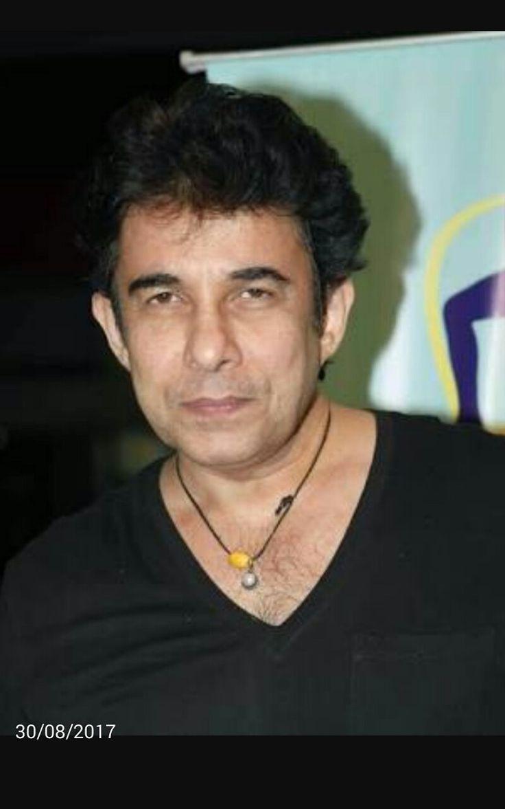 Deepak Tijori born 28th August  1961  1st film Tera  naam mera  naam  88  parbat ke us paar  88  1st main role Aashiqui  90  Khiladi  92  Anjaam 94  Kabhi haan Kabhi naa  94 .......& some gujrati films   (31.8.17 )