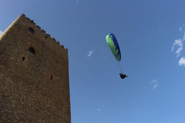 Quinientos pilotos y veinte mil visitantes se dan cita desde mañana en el Festival del Aire de El Yelmo